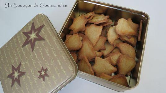 petits-gateaux-de-noel-aux-amandes-16