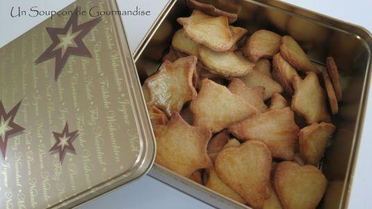 petits-gateaux-de-noel-aux-amandes-17