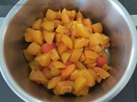 Gâteau abricot-romarin 1