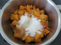 Gâteau abricot-romarin 3